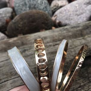 Opalescent and gold set of 4 bangles